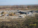 se vinde lot de teren cu temelie si fintina