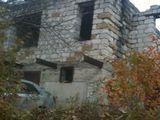 Lot cu casa, 2-etaje,nefinisata,6x8 cu 6 ari de pamint, Skinoasa. mun.Chisinau, 27000 euro