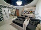 Bloc nou, 2 dormitoare+salon+3 balcoane. Casa de club, linga padure.