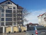 Se vinde apartament in casa noua la et. 3 din 6, 64 m.p,debara 14 m.p, loc de parcare.