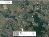 Se vinde teren pe traseul Chisinau- Rezina . dstinat pentru constructie