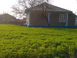 vind casa buna in satul bleshteni!!!