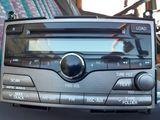 Штатная магнитола на Toyota Venzo