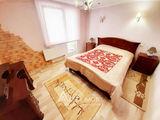 Chirie! str. Valea Trandafirilor, Centru, 1 cameră + living. Euroreparație!