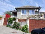 Casa in Ialoveni in centru, Schimb pe apartament Chisinau + bani