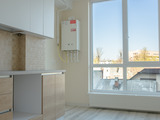 Apartament cu 2 camere (dormitor + living), bloc nou, reparatie euro, zona de parc