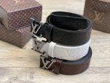 Louis Vuitton , cureaua din piele naturala