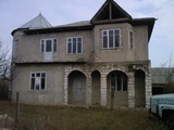 se vinde  casa sau schimb   pe apartament   in Chisinau sau Hincesti
