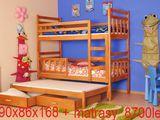 Кроватка детская из дерева 3-местная pat pentru 3 copii cu 2 nevele