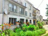 Apartament de vânzare în Ialoveni cu 3 camere, pe str. Moldova.