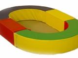 Сухой бассейн с разноцветными шариками, мягкие игровые элементы