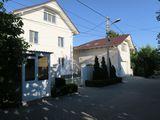 De vînzare două case: 1 casă -110000 Euro, 2 casă-190000 Euro.