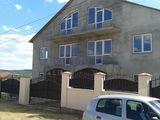 Se vinde casa de 270 m2 in Truseni, 69000 de euro