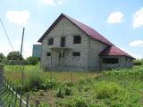 Внимание хороший  недостроенный 2-этажный  дом в Данченах н участке  6 соток.