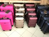 Vind valize pentru bagaj de mina, livrare gratis in aceeasi zi