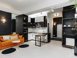 Красивая 3-комнатная квартира в новострое в центре города. Сдаю посуточно.