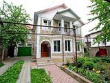 *Centru, casa in zona linistita,  250m.p. autonoma, euroreparatie!!!