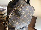Louis Vuitton абсолютно новый рюкзак(реплика)