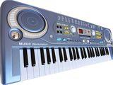 Синтезатор с USB, микрофон, радио, 70 см, 54 клавиш совершенно новые с бесплатной доставой по стране