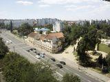 Продаю срочно 1 комнатную квартиру 35 м. кв. в центре города 18000 евро.