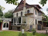 Se vinde casa in Stauceni , zona de lux , 200mp , 6 ari teren/ 122.000e