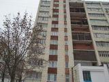Продам 3-комнатную квартиру в кирпичном доме в г.Рыбница по ул.Вальченко, д.53.$-17990.