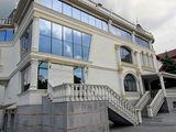 Se propune pre chirie spațiu comercial în 2 nivele suprafața 644 m2 Str.Paris .Prima linie