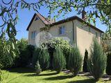 Casa cu 2 nivele, Dumbrava, reparație euro, 200 mp, 93000 € !