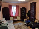 Продается квартира на земле 2-х комнатная в центре города выше памятника Штефана чел Маре