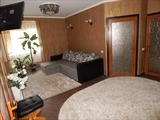 Срочно продаётся 3-х комнатная квартира с мебелью в новом доме.