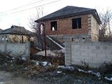 Casa in Ialoveni ,gaz,apa,canalizare...pret negociabil