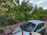 7 соток земли, дом 100 м2, гараж и погреб, в центре Буюкан
