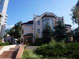 Отличный дом-офис с гаражом и своей территорией, в центре Кишинева!