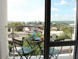 Сдается однокомнатная квартира с чудесным видом, в новом доме, рядом с парком Alunelul.