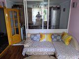 Продаётся 2-х комнатная квартира (малосемейного типа), с хорошим евро ремонтом, в котельцом доме,...