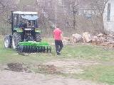 Oferim servicii agricole: tocat crengi, discuit, cultivat, arat, stropit...