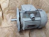 Электродвигатели ,вентиляторы и редуктора разные (не дорого) 4