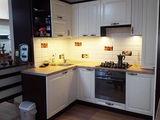 Новая цена !!! Продается 3-х комнатная квартира,дизайн, 88 м2,  частично мебелированная.