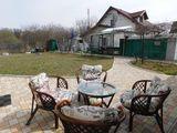 Căsuță de vacanță în Codrii Moldovei (23 km de Chisinau), pe un teren de 6 ari