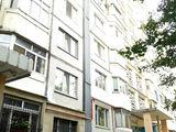 Apartament cu 3 odăi, de serie, lângă piața Delfin, Buiucani
