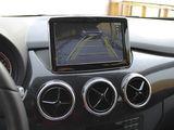 Камера заднего вида на штатный монитор Mercedes.