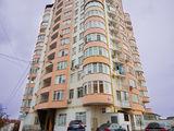 Apartament 2 camere ,Euroreparatie  , 80,3 m2  , sectorul Riscani