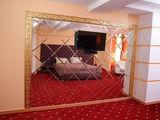 Комната почасово 95 лей, посуточно от 399 лей, романтическое оформление