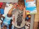Детский центр Genius набирает деток в мини сад с 8.00 до 13.00 с понедельника по пятницу.