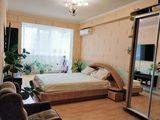 Vind apartament cu 2 camere 80 m2 +18 m2 terasa in Bloc nou + debara