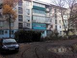 Продается 3-х комнатная квартира. Без ремонта. Отличное расположение. Срочно. Apartament in Drochia.