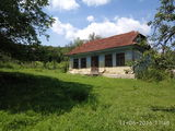 продаем дом под снос с приусадебным участком 25.34 сотки в каларашском  районе в 3 км от санатория к