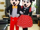 Minnie și Mickey mouse la cumetrie