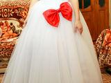 Dăruiesc rochia de mireasa,in stare buna la un pret accesibil...