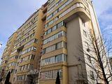 Se vinde apartament cu 2 camere! De replanificat +living! 80 m2! Variantă albă! str. Alba Iulia!